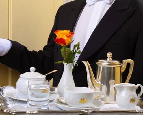 آشنایی با انواع سرویس و خدمات هتل ها 500 min 495x400 - Blog